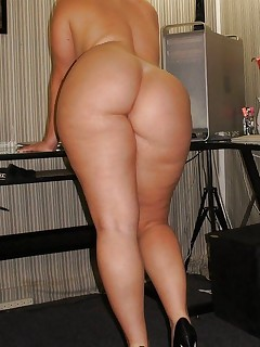 Featuring curvy figured ladies and great fat booties