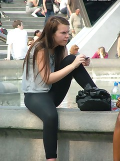 Hot thick culo legal age teenagers in yoga pants!