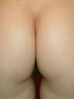 Real amateur images of tight and giant butts of girlfriend and wives