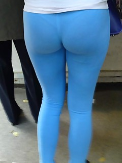 Hawt corpulent bum teens in yoga pants!
