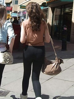 Sexy overweight rump nubiles in yoga pants!