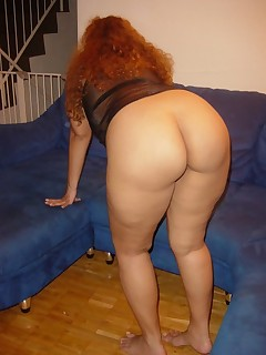 Huge culo bitches are fooling around, posing and teasing with their large tight bums