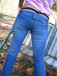Taut rump angels in jeans