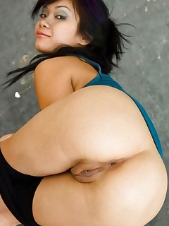 Sexy oriental thick ass and thick arse babes