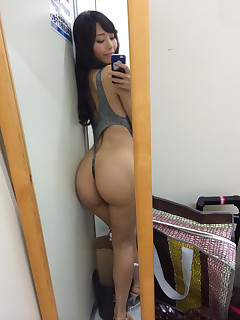 Hot oriental juicy rump and phat rump hotties