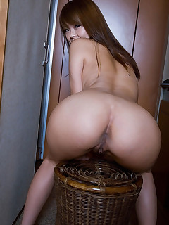 Sexy oriental round booty and tight butt chicks