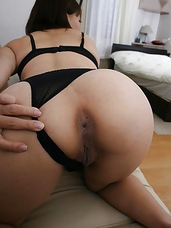 Sexy asian large arse and tight butt hotties