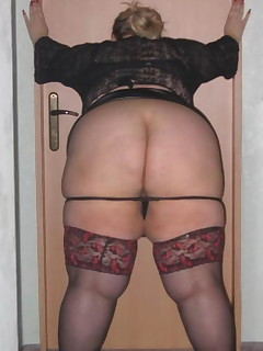 Mature Booty - Large collection of moms butts photos!