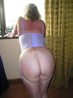 Aged Bum - Large collection of mommys booties photos!