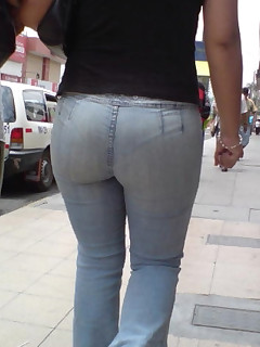 Big rump girls in jeans