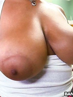 Natural Double D Tits